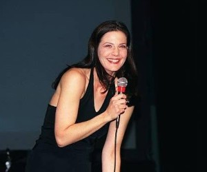 Terry Farrell picture attends the Star Trek Grand Slam 8 Pasadena Convention Center in March 2000 2