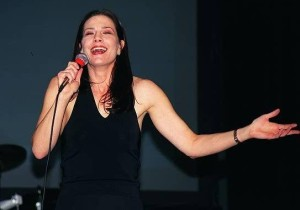 Terry Farrell picture attends the Star Trek Grand Slam 8 Pasadena Convention Center in March 2000 3