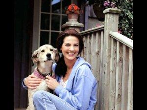 Terry Farrell desktop wallpaper with her dog