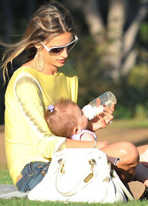 Alessandra Ambrosio spotted playing with her little daughter Anja Louise at a park in Santa Monica on July 7th 2009 6