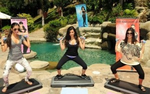 Kim Kardashian and her sister and Kourtney Kardashian picture of Fit in your Jeans Promotional  campaign of August 2009 3