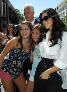 Kim Kardashian spotted at The Grove on August 5th 2009 1