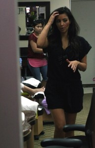 Kim Kardashian picture visiting the salon in Beverly Hills on August 3rd 2009 2