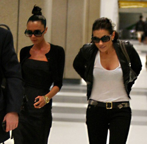 Victoria Beckham spotted with Kara DioGuardi as they arrive At LAX airport August 2009 3