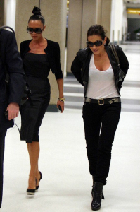 Victoria Beckham spotted with Kara DioGuardi as they arrive At LAX airport August 2009 1