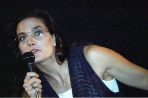 Terry Farrell picture on stage during a press conference in July 1994 3