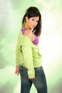Ayten Amer pose