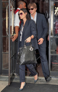 picture of Demi Moore and her husband Ashton Kutcher as they leave their hotel on September 10th 2009 3