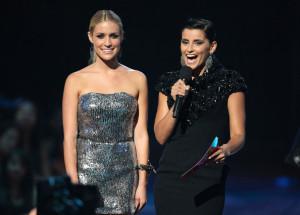 Kristin Cavallari and Nelly Furtado at the 2009 MTV Video Music Awards at Radio City Music Hall on September 13, 2009 in New York City