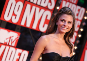 Maria Menounos arrives at the 2009 MTV Video Music Awards at Radio City Music Hall on September 13th 2009 in New York City