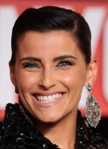 Nelly Furtado arrives at the 2009 MTV Video Music Awards at Radio City Music Hall on September 13th 2009 in New York City