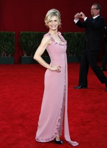 Kyra Sedgwick arrives at the 61st Primetime Emmy Awards held at the Nokia Theatre on September 20th 2009 in Los Angeles