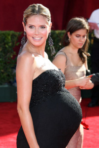 Heidi Klum arrives at the 61st Primetime Emmy Awards held at the Nokia Theatre on September 20th 2009 in Los Angeles