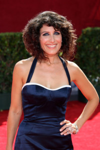 Lisa Edelstein arrives at the 61st Primetime Emmy Awards held at the Nokia Theatre on September 20th 2009 in Los Angeles