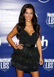 Kim Kardashian attends the Pinks Hot Dogs Grand Opening on September 18th 2009 11