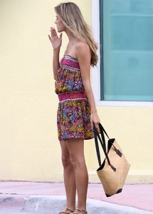 Alessandra Ambrosio was caught by paparazzi while attending a photo shoot in Miami on September 27th 2009 2