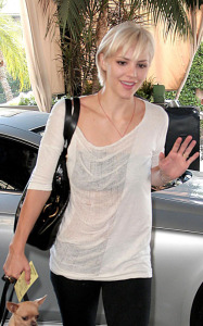 Katharine McPhee spotted arriving at Hollywood Rossevelt Hotel with a new short hair cut on September 2nd 2009 1