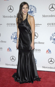 Katharine McPhee arrives at the 30th Anniversary Carousel of Hope Ball to benefit the Barbara Davis Center for Childhood Diabetes on October 25th 2008 6