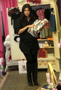 Kourtney Kardashian spotted during a shopping trip in Calabasas on October 3rd 2009 3