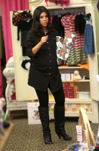 Kourtney Kardashian spotted during a shopping trip in Calabasas on October 3rd 2009 1
