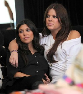 Khloe Kardashian and Kourtney Kardashian spotted during a shopping trip in Calabasas on October 3rd 2009 4