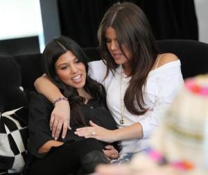 Khloe Kardashian and Kourtney Kardashian spotted during a shopping trip in Calabasas on October 3rd 2009 5