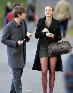 Blake Lively and Chace Crawford spotted on the filming set of Gossip Girls eating ice cream in Central Park in Midtown Manhattan on October 5th 2009 8