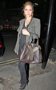 Shakira spotted leaving Mr Chow Restaurant in London on October 5th 2009 2
