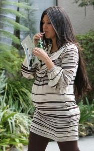 Kourtney Kardashian spotted shopping for new baby furniture at Bel Bambini boutique in Beverly Hills on October 7th 2009 5