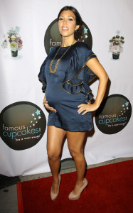 pregnant Kourtney Kardashian seen at the grand opening of Famous Cupcakes on October 7th 2009 4