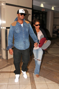 Christina Milian spotted with her husband The Dream at the airport on October 8th 2009 3