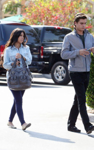 Kourtney Kardashian and her boyfriend Scott Disick spotted at the Marmalade Cafe in Los Angeles on October 8th 2009 4
