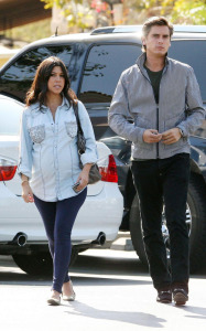 Kourtney Kardashian and her boyfriend Scott Disick spotted at the Marmalade Cafe in Los Angeles on October 8th 2009 3