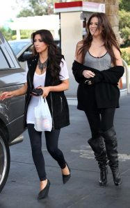 Kim Kardashian and her sister Khloe were spotted leaving a gas station in Calabasas on October 9th 2009 1