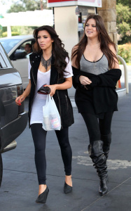Kim Kardashian and her sister Khloe were spotted leaving a gas station in Calabasas on October 9th 2009 6