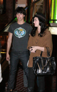 Joe Jonas and Demi Lovato spotted having dinner at Yamato Steakhouse in Yorkville Toronto Canada on October 5th 2009 2