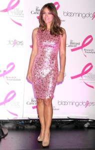 Elizabeth Hurley arrives at Bloomingdales PINK Lighting for Breast Cancer Awareness at Bloomingdales in New York City on October 12th 2009 2