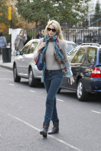 Claudia Schiffer spotted in dark denim skinny pants and brown leather boots while she drops her children off at school on October 12th 2009 3