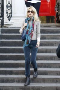 Claudia Schiffer spotted in dark denim skinny pants and brown leather boots while she drops her children off at school on October 12th 2009 5
