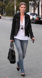 Nicky Hilton seen out running some errands in Beverly Hills on October 12th 2009 1