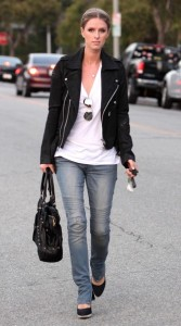Nicky Hilton seen out running some errands in Beverly Hills on October 12th 2009 4