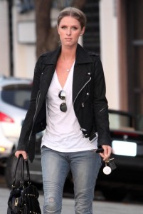 Nicky Hilton seen out running some errands in Beverly Hills on October 12th 2009 6