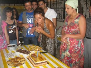 Amal Boshoshah photo with her friends and family at her birthday 6