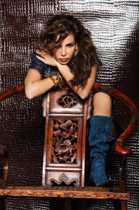 Lebanese singer Nelly Maqdesy picture from a beautiful studio shoot wearing a gypsy style outfit 2