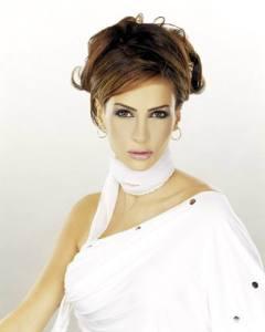 Lebanese singer Nelly Maqdesy photos