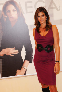 Cindy Crawford attends the opening of the Omega Boutique at The Village Westfield on October 15th 2009 in London England 6