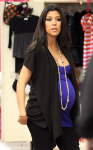 Kourtney Kardashian pregnant picture as she arrives at Dash boutique clothing stores in Calabasas Los Angeles on October 14th 2009 3
