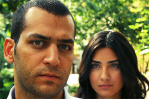 pictures from the turkish drama series Asi and Demir 18
