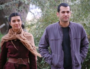 pictures from the turkish drama series Asi and Demir 21