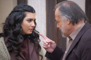 pictures from the turkish drama series Asi and Demir 9